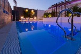 Se vende, Hotel/Complejo/Edificio, 420 m², Complejo en Venta en Playa del Ingles, 2.500.000 €, Playa del Inglés